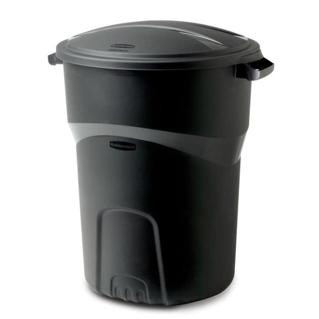 Where to find Black Trash Can w  Lid in Bemidji